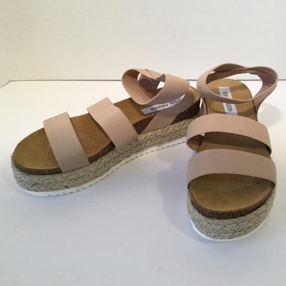 388dd8825bb Steve Madden Kimmie Platform Sandals. M 5b6e195ae9ec8969d2579f32